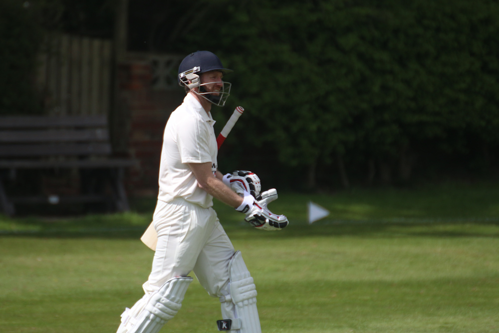 Gary Fellows of Hanging Heaton CC
