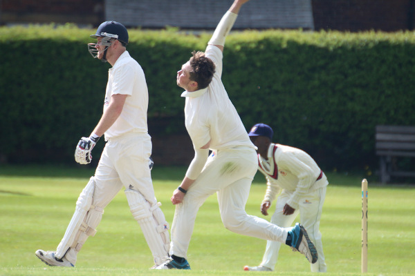 townville cricket club bowler