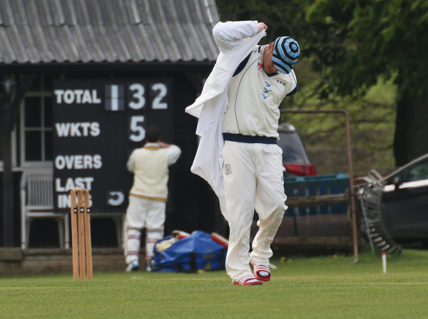 cricket umpires coat