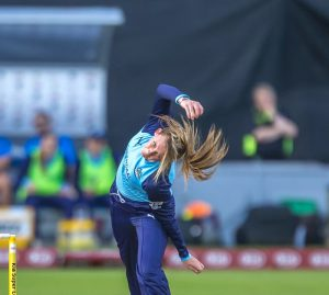 helen fenby bowls for yorkshire diamonds