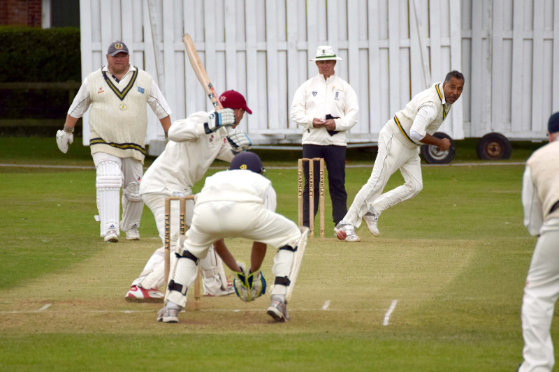 Cricket Yorkshire: Forty Club in action
