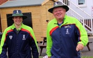 recreational cricket - cricket umpires